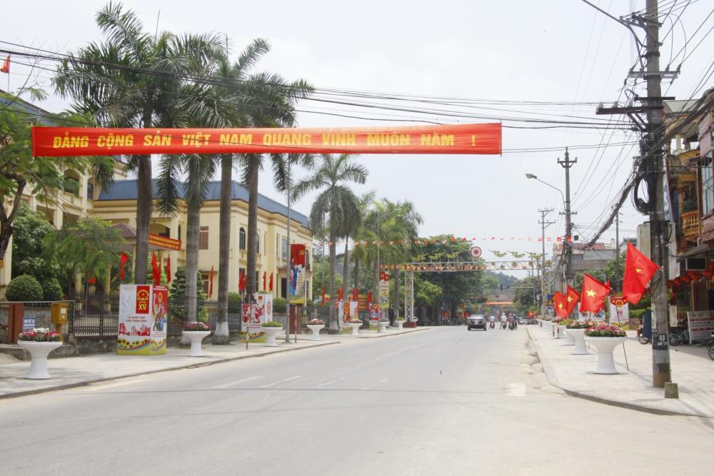 Yên Bái rực rỡ cờ hoa trước ngày bầu cử