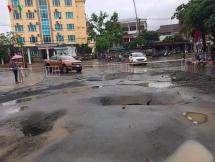 Mưa lớn gây sụt lún ở Sơn La
