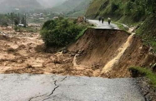Thủ tướng ra công điện với đối phó mưa lũ tại miền Trung