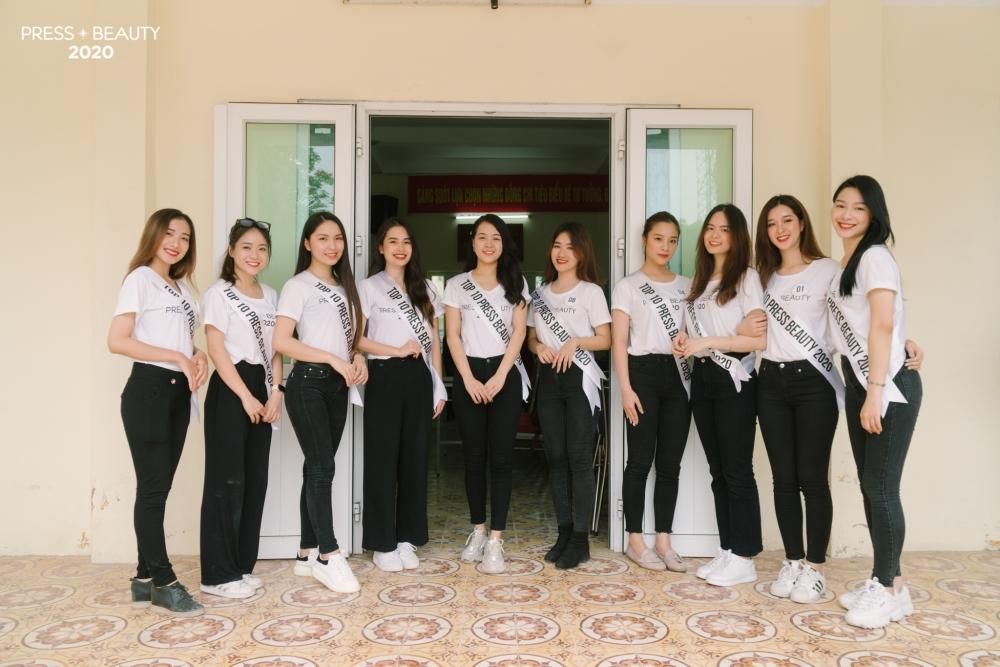 press beauty 2020 cac hoat dong nhan ai cua top 10 nguoi dep tai trung tam bao tro o ha noi
