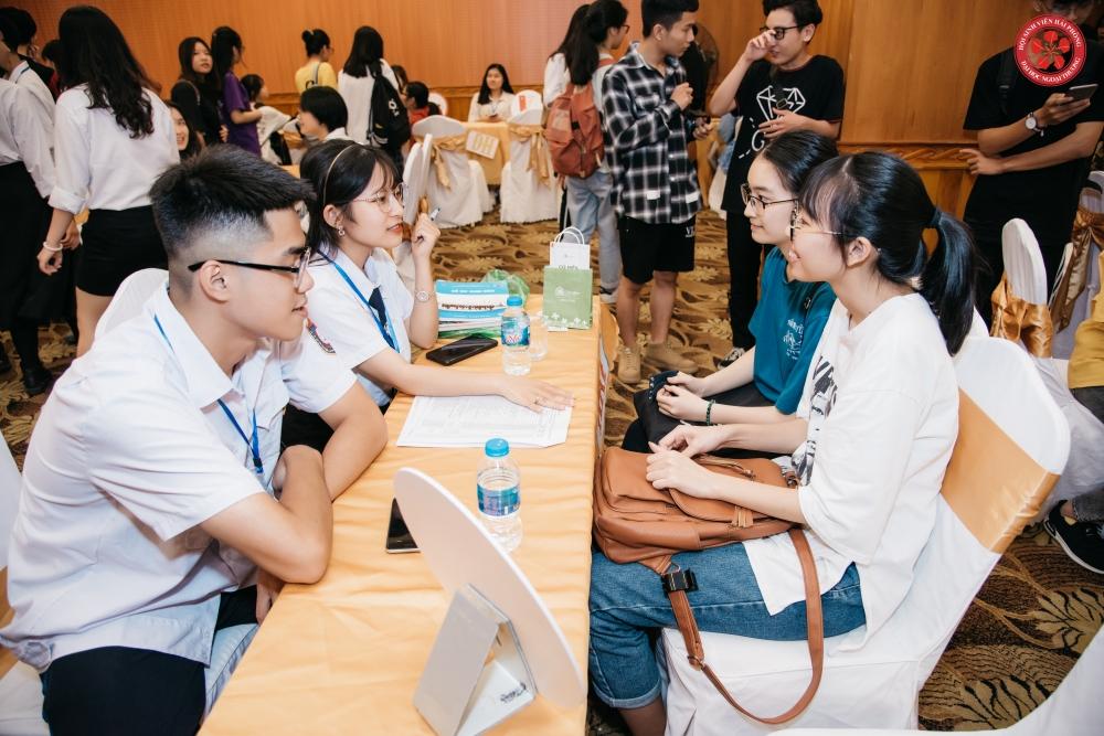 3 vị diễn giả trẻ truyền lửa cho hơn 200 học sinh về nghề nghiệp trong tương lai