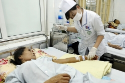 Trao tặng quà cho bệnh nhân ghép gan có hoàn cảnh khó khăn