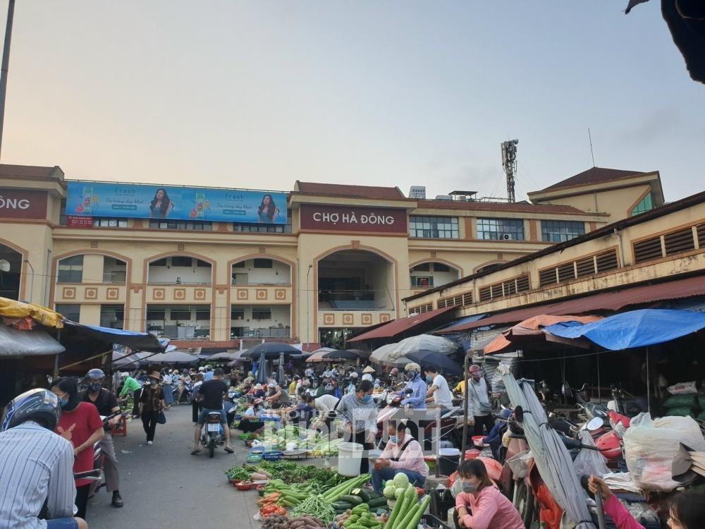 Vi phạm trật tự xây dựng tại chợ Hà Đông, Trưởng Ban có hết trách nhiệm?