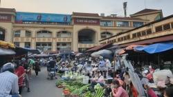 Vi phạm trật tự xây dựng tại chợ Hà Đông, ai chịu trách nhiệm?