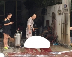 Nổ bình phun rửa xe bọt tuyết, một người phụ nữ tử vong tại chỗ