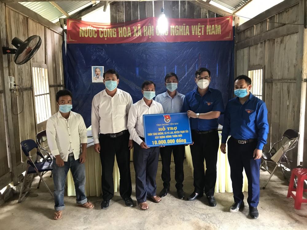 Bàn giao ngôi nhà hạnh phúc cho học sinh khó khăn ở Trạm Tấu, Yên Bái