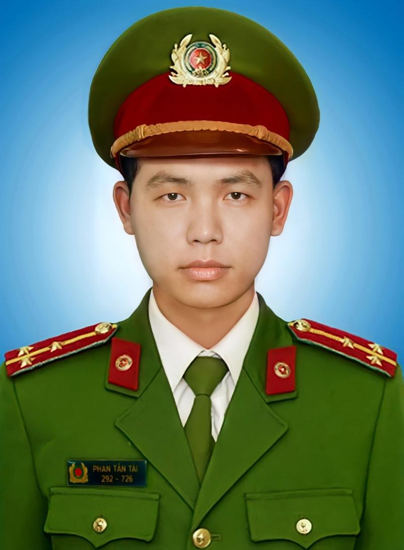 Đại úy Phan Tấn Tài được Chủ tịch nước truy tặng Huân chương Chiến công hạng Nhì