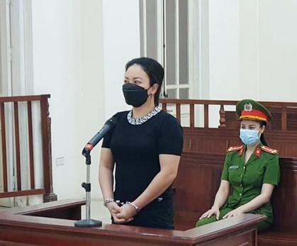 Bị cáo Đỗ Thu Hà tại phiên tòa
