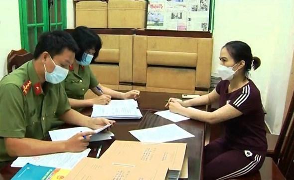 Khởi tố chuyên viên Tổng cục Đường bộ Việt Nam cấp thẻ luồng xanh thu lợi bất chính