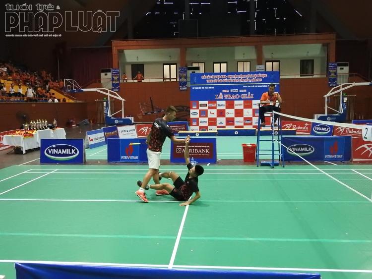 truong thcs olympic loi nguoc dong gianh chien thang tran chung ket noi dung doi nam nang cao