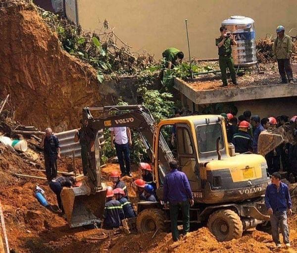 Phú Thọ: Đang thi công nền thì đất sạt lở, 3 công nhân tử vong