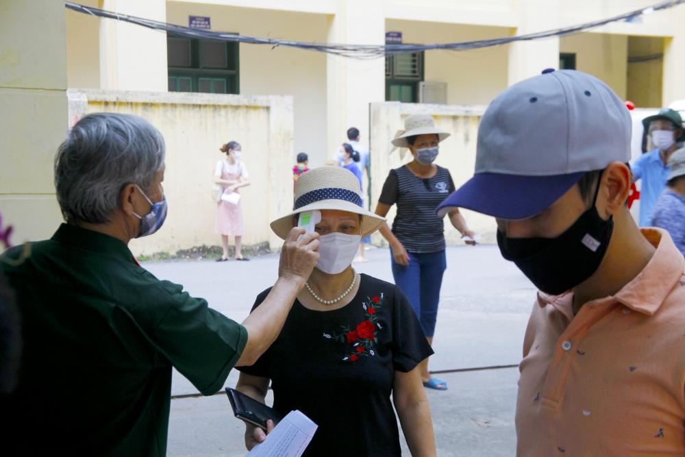 Không để tình trạng người dân chen lấn tại điểm tiêm vắc xin Covid-19