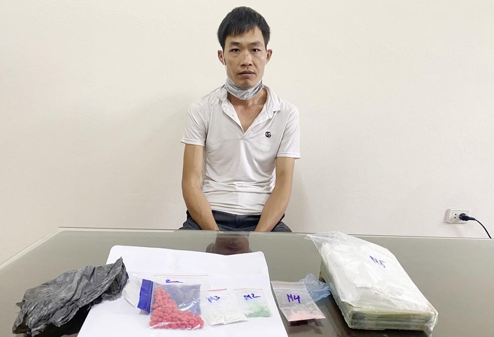 Thiếu tiền tiêu xài, thanh niên vận chuyển ma túy đi bán