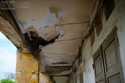 Khẩn trương di dời người dân để xây dựng lại chung cư cũ nguy hiểm