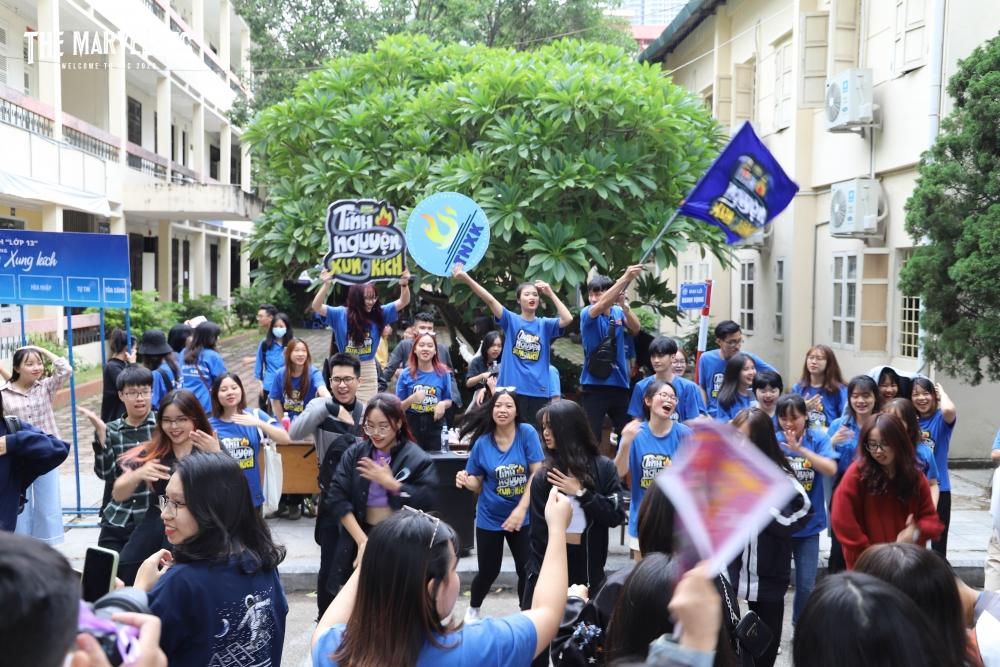 """""""Tình nguyện đi - Tình yêu sẽ đến"""" là thông điệp ý nghĩa mà Đội Tình nguyện Xung kích truyền tải tới tất cả mọi người."""