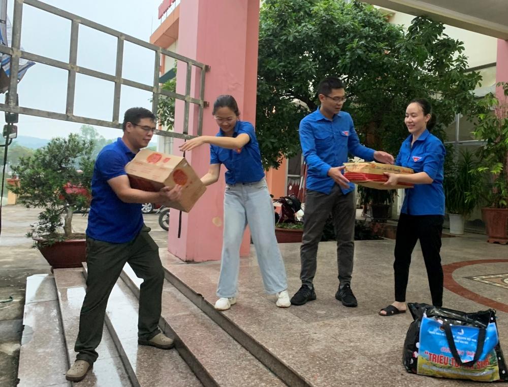 Tuổi trẻ Yên Bái tích cực hỗ trợ túi an sinh cho miền Nam