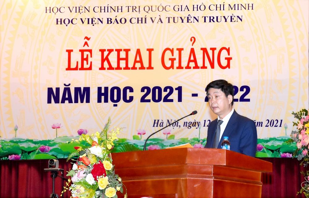 PGS.TS Phạm Minh Sơn - Giám đốc Học viện Báo chí và Tuyên truyền phát biểu khai mạc lễ khai giảng năm học mới