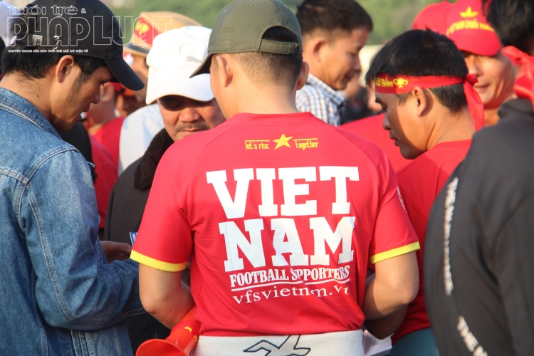 dan co dong vien do ve san my dinh co vu doi tuyen viet nam dau thai lan