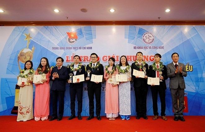 10 tai nang khoa hoc tre nhan giai thuong qua cau vang nam 2019