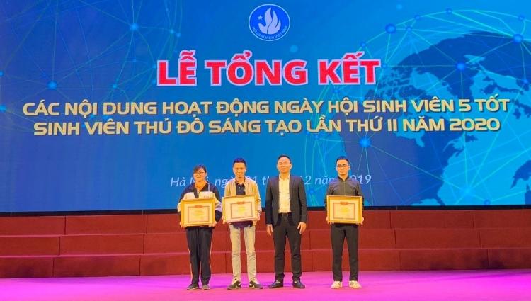 Sinh viên Đại học Thủy lợi xuất sắc giành quán quân cuộc thi Rung chuông vàng