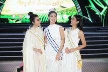 Bộ ba chị em Lương Thuỳ Linh, Đỗ Mỹ Linh, Kiều Loan làm đại sứ hoa Đà Lạt