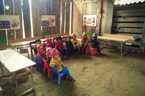 """Mang """"Mùa đông ấm"""" đến với học sinh vùng cao tỉnh Cao Bằng"""