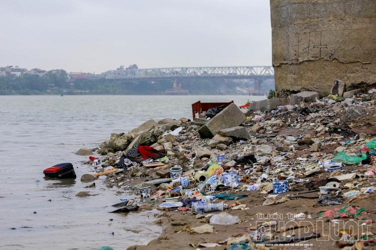 Phạt nặng nếu vứt rác bừa bãi sau lễ cúng ông Công, ông Táo