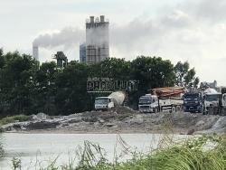 Trạm trộn bê tông Hồng Lạc hoạt động không phép nhiều năm, chính quyền ở đâu?