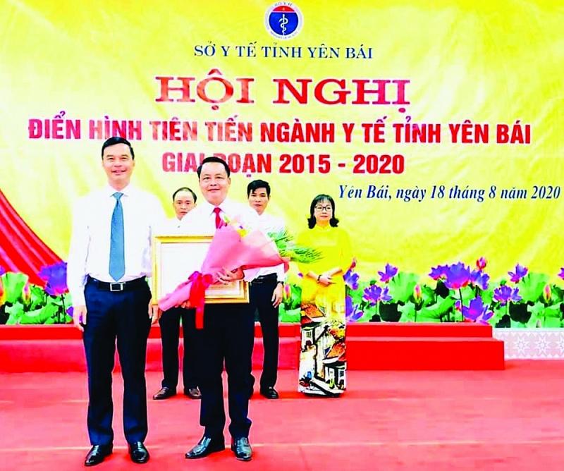 Trung tâm Y tế huyện Văn Yên được trao tặng Huân chương Lao động hạng II