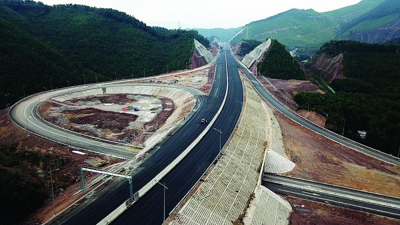 Thành phố Móng Cái (Quảng Ninh): Điểm sáng kinh tế vững mạnh vùng biên