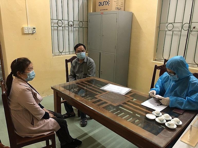 2 người Trung Quốc thừa nhận đã ra khỏi nhà trong trường hợp không cần thiết.