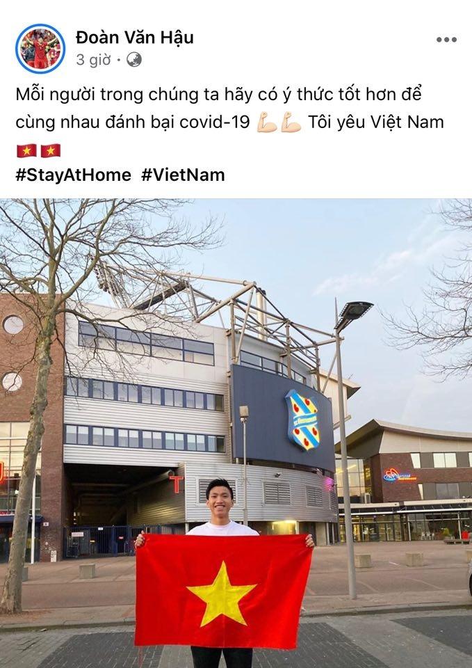 Lý do Văn Hậu không đeo khẩu trang khi ra đường ở Hà Lan