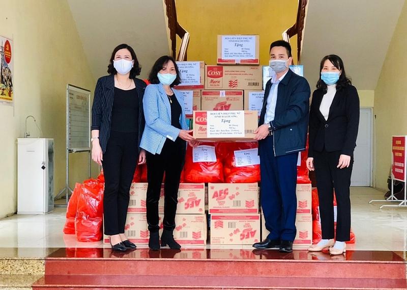 Hội Phụ nữ trao 1.000 suất quà cho phụ nữ nghèo, công nhân tỉnh ngoài ở Hải Dương