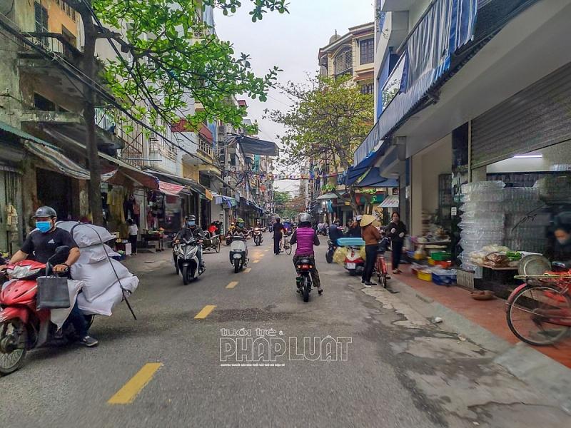 Đường sá nhộn nhịp, cửa hàng đông vui ngày đầu hết giãn cách xã hội tại TP Hải Dương