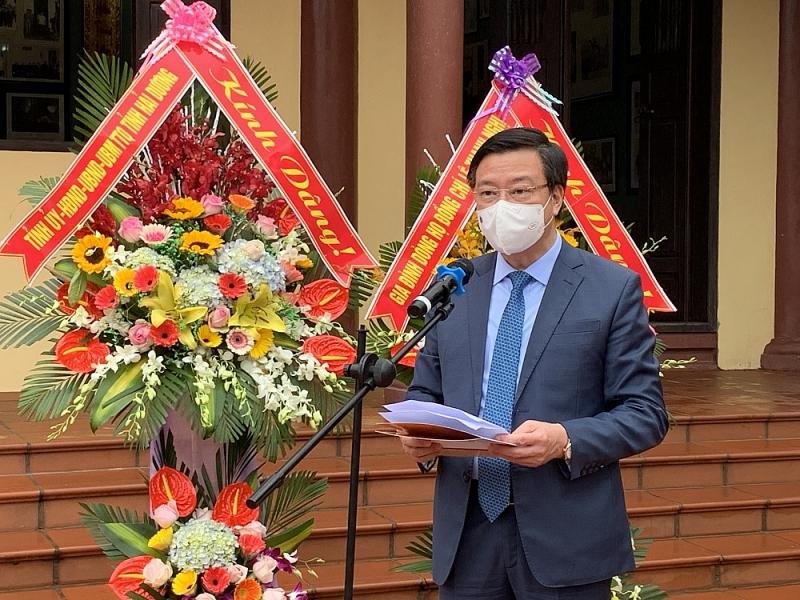 Bí thư Tỉnh ủy Phạm Xuân Thăng đọc diễn văn tại lễ dâng hương, dâng hoa tưởng niệm 110 năm ngày sinh đồng chí Lê Thanh Nghị.