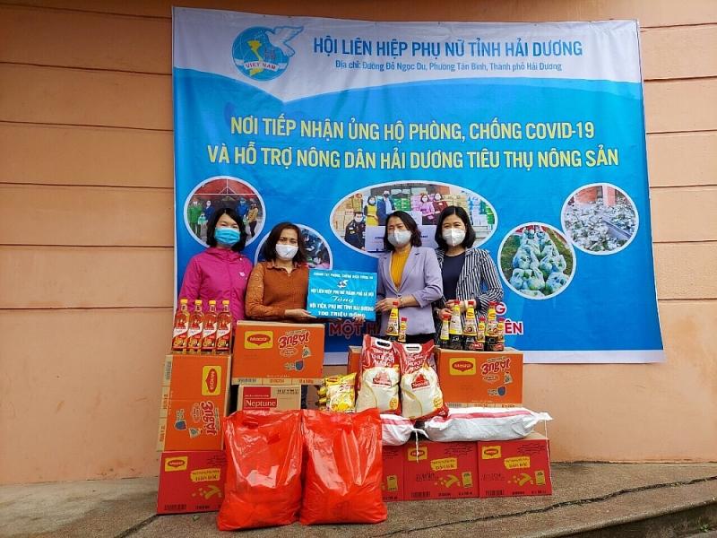 Hội Liên hiệp Phụ nữ Hải Dương nỗ lực đóng góp nhiều phần quà giá trị