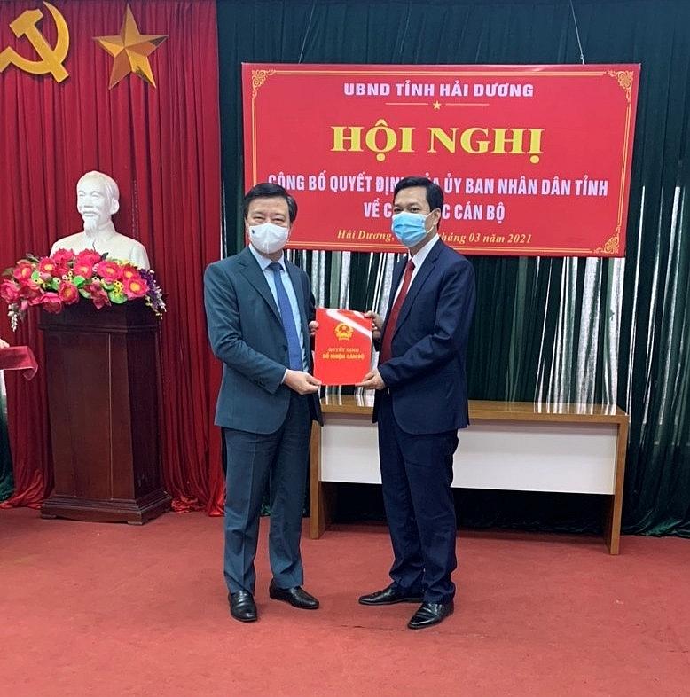 Bí thư Tỉnh uỷ Phạm Xuân Thăng trao Quyết định bổ nhiệm Giám đốc Sở Tài nguyên và Môi trường cho đồng chí Hoàng Văn Thực