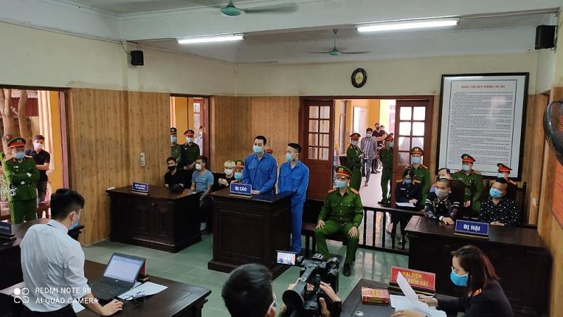 Hải Dương: Nổ súng vào xe Dương Minh Tuyền, hai đối tượng lĩnh tổng số 69 tháng tù