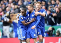 vong 36 ngoai hanh anh arsenal thua soc leicester city