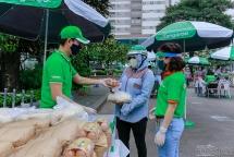 3 ngày, huy động 30 tấn gạo và 30.000 quả trứng tặng người nghèo Thủ đô