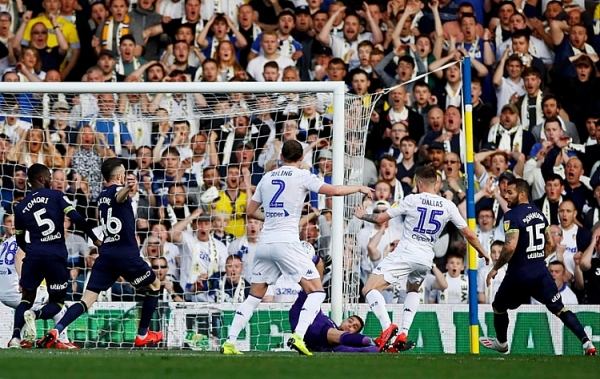 leeds united derby county kich tinh the do phut 85 vo oa