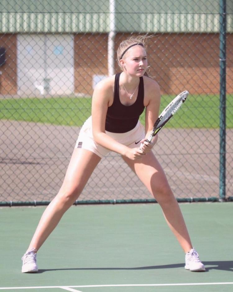 """Chiêm ngưỡng vẻ đẹp của """"Nữ hoàng quần vợt"""" Scarlett Hutchinson"""