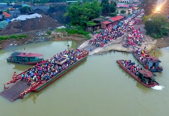 Tạm dừng hoạt động bến khách ngang sông giữa tỉnh Hải Dương với các tỉnh lân cận