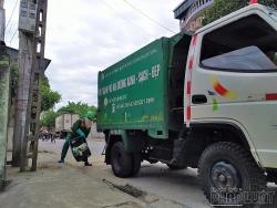 Vứt rác ra môi trường xung quanh vì không phải nhà mình có thể bị phạt nguội 7 triệu đồng