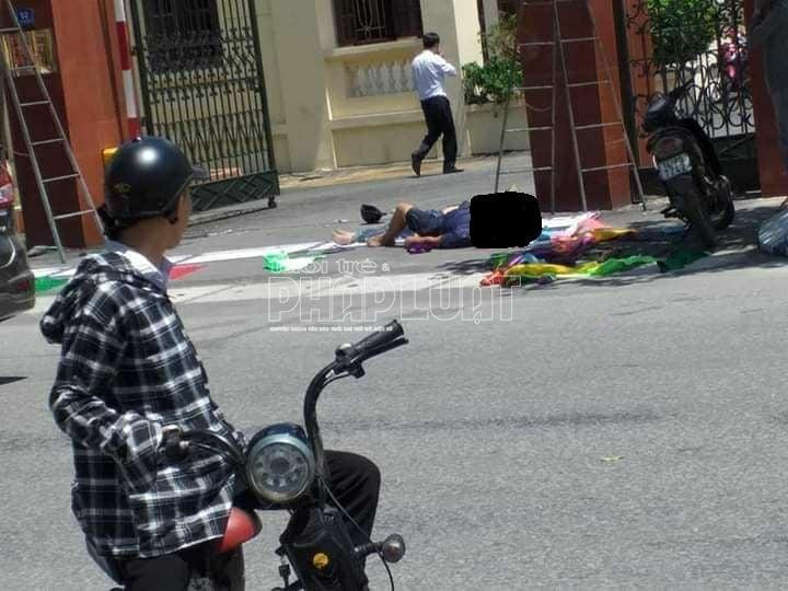 Hải Dương: Tai nạn trước cổng huyện ủy, 2 người tử vong và 1 người đi cấp cứu