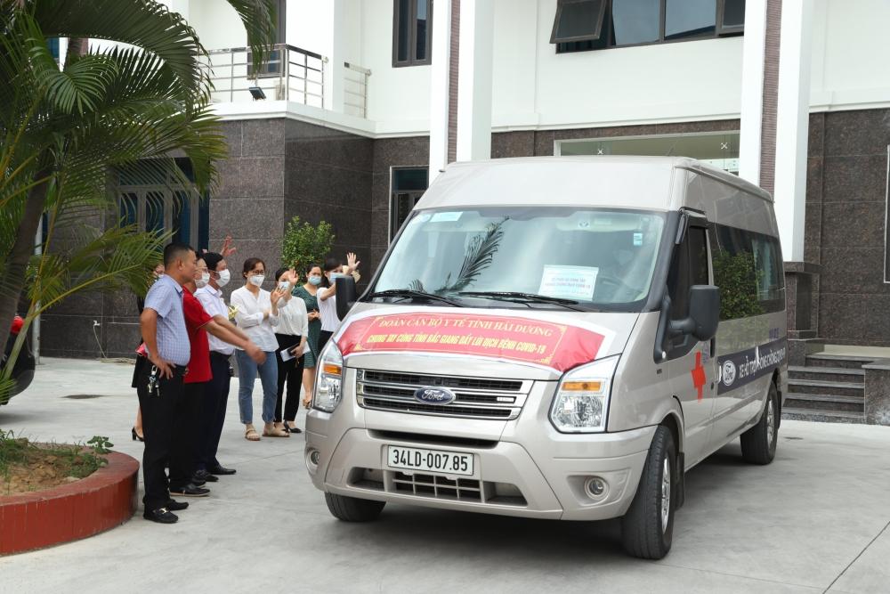 """Hải Dương """"chi viện"""" kíp bác sĩ, điều dưỡng trình độ chuyên sâu hỗ trợ cho tỉnh Bắc Giang"""