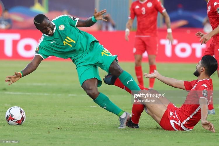 can cup 2019 nhoc nhan vuot tunisia senegal tien vao chung ket