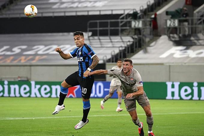 """Kết quả bóng đá: """"Nã đại bác"""" vào Shakhtar, Inter bước vào chung kết Europa League"""