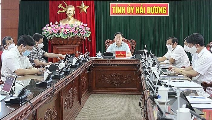 Đồng chí Bí thư Tỉnh ủy Phạm Xuân Thăng chủ trì cuộc họp sáng 18.8 của Thường trực Tỉnh ủy