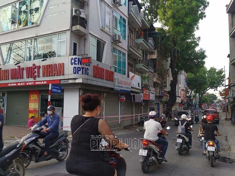 Nhiều người dân vẫn ra đường dù Hà Nội đang giãn cách đợt 3